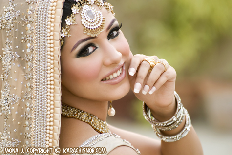 Best beauty salons for bridal make up in karachi at for Mona j salon contact